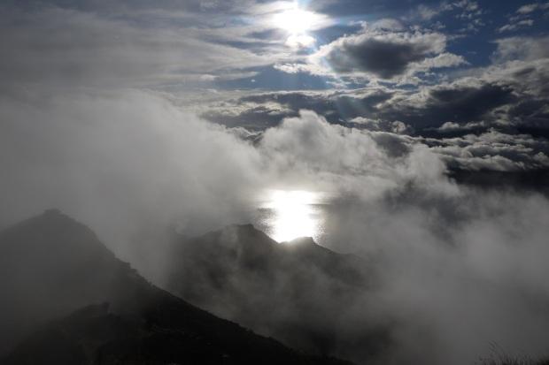 The sunshine after the rain, above lake Hawea